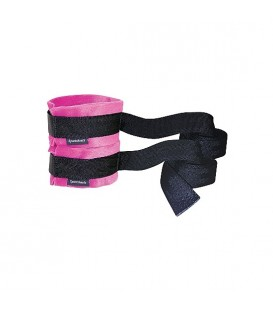 KINKY ESPOSAS CON CORREAS ROSA